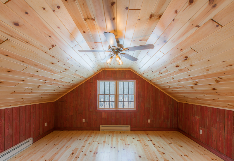 Weathered Red Barnwood w/ Knotty Pine Prefinished Flooring and Ceiling
